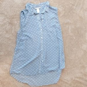 Sleeveless H&M button up blouse